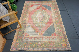 4'5 x 7'7 Oushak Rug Faded Red and Green