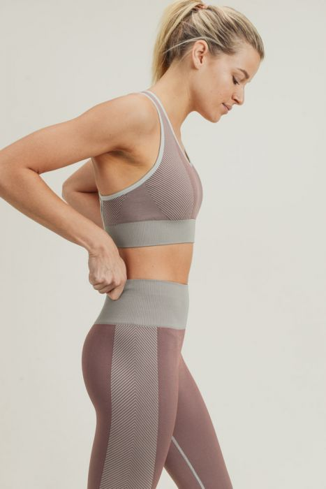 Chevron Track Seamless Hybrid Sports Bra