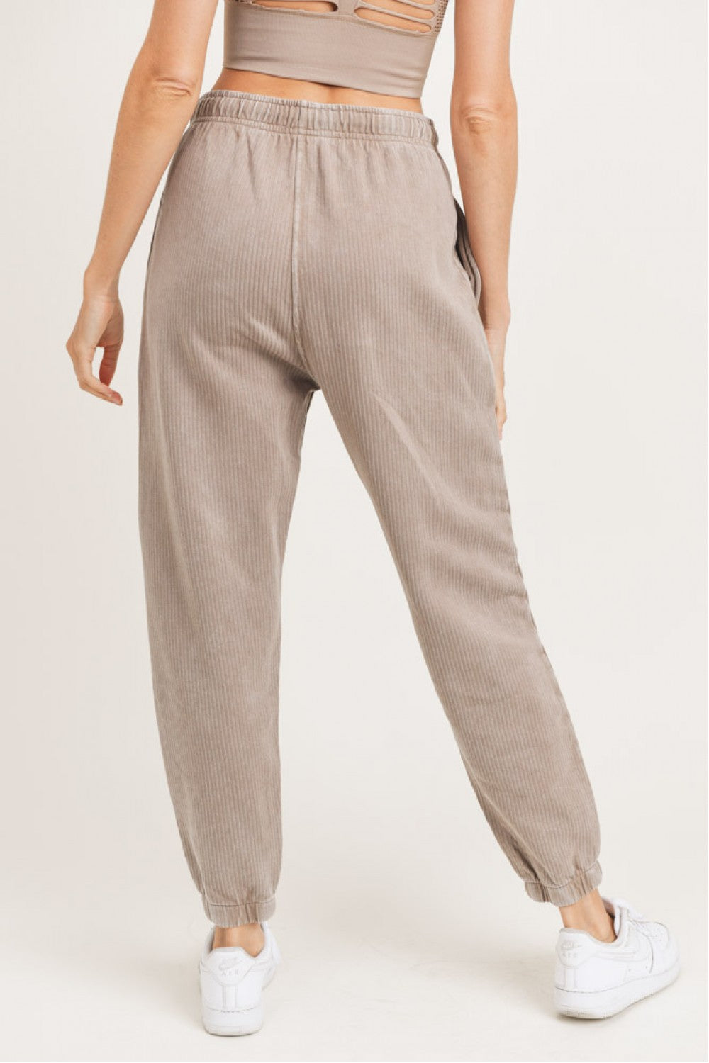 Mineral-Washed Ribbed Billow Cuffed Joggers (Mushroom)