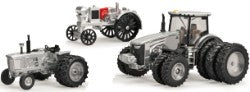 1/64 Waterloo Boy, 4020 & 8400R Tractor Set