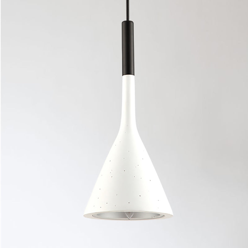 Erti Triangular Minimal Pendant Light