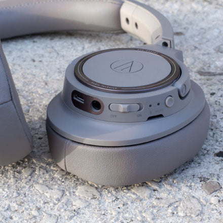 Best Wireless Headphones under 5000 - Audio-Technica ATH-SR30BT