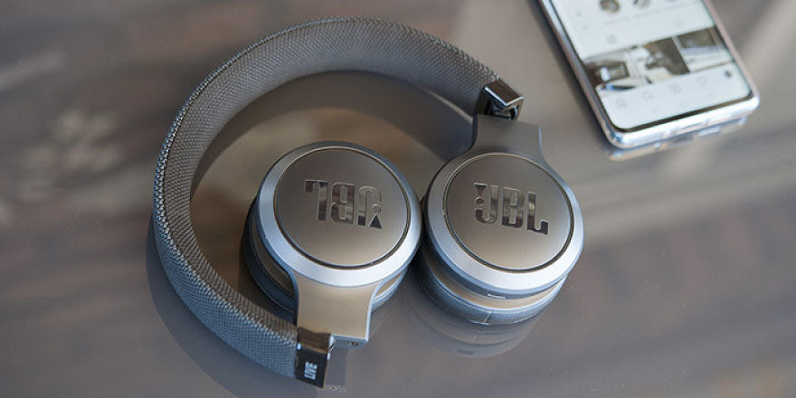 Best Wireless Headphones under 5000 - JBL Live 400BT