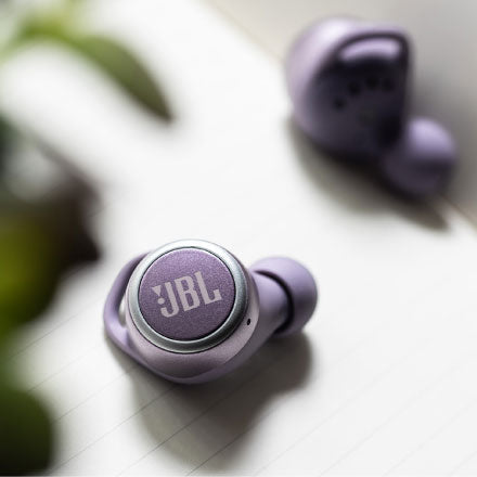Best Sports Earbuds in 2020 - JBL Live 300 TWS