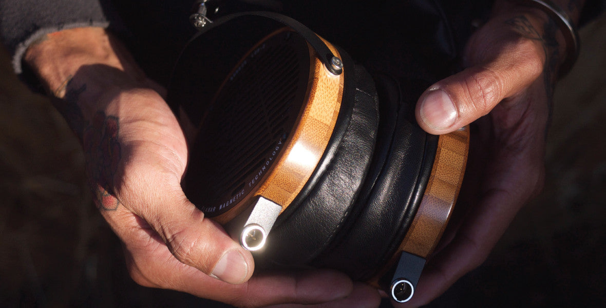 Headphone-Zone-Audeze-LCD-3-Planet-Magnetic