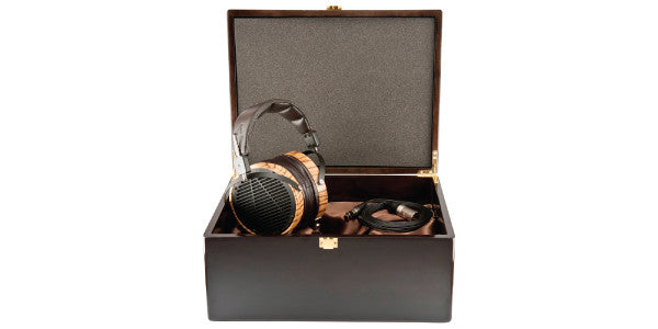 Headphone-Zone-Audeze-LCD-3-in-the-box