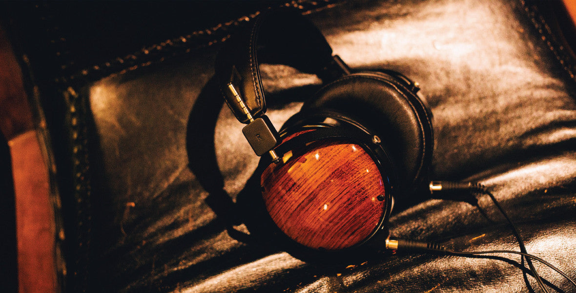 Headphone-Zone-Audeze-LCD-XC-Planet-Magnetic