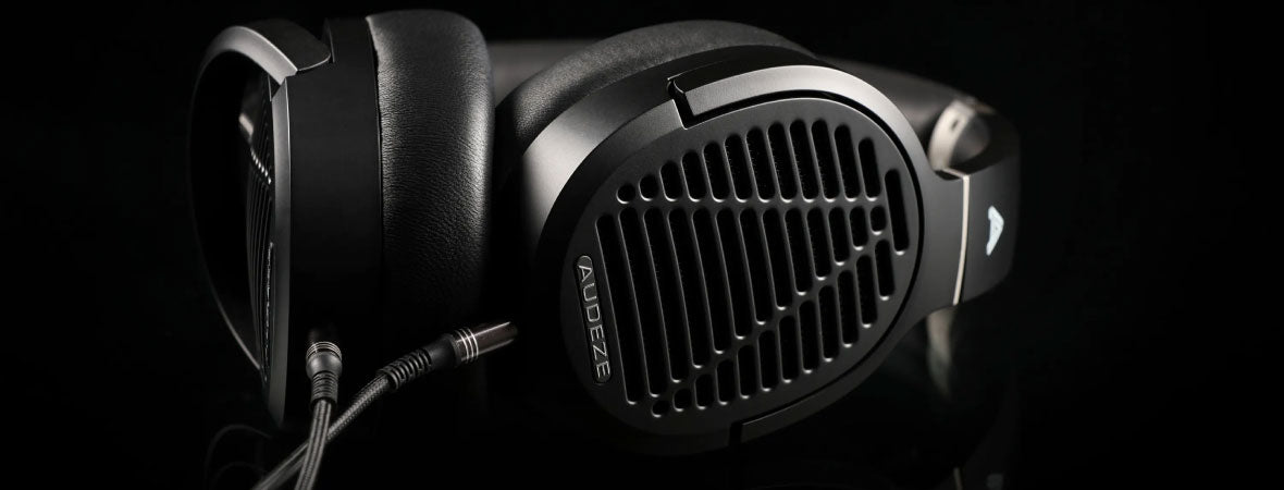 Headphone-Zone-Audeze-LCD-2-Planet-Magnetic