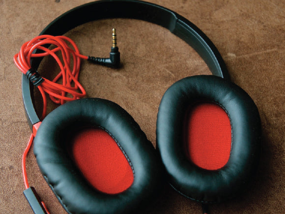 Audio-Technica ATH-AX1is-Earcups