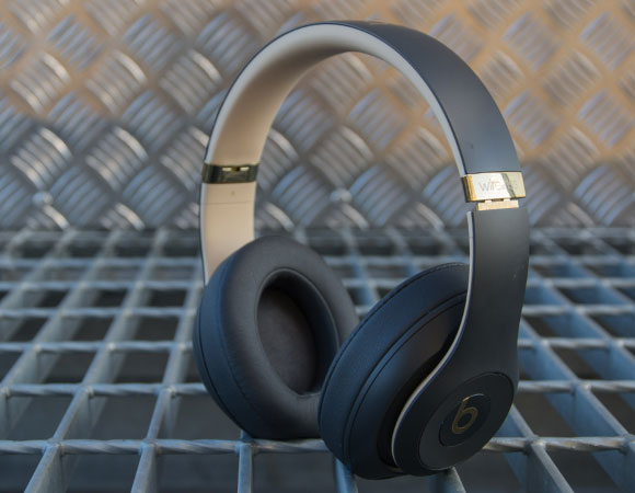 Headphone-Zone-Beats-by-Dre-Studio-3-Wireless