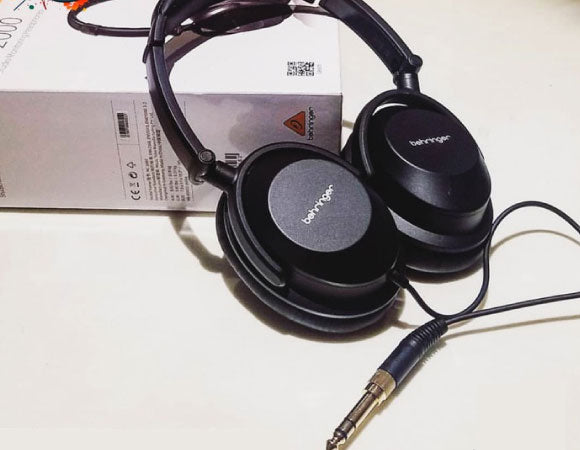 Headphone-Zone-Behringer-HC-2000