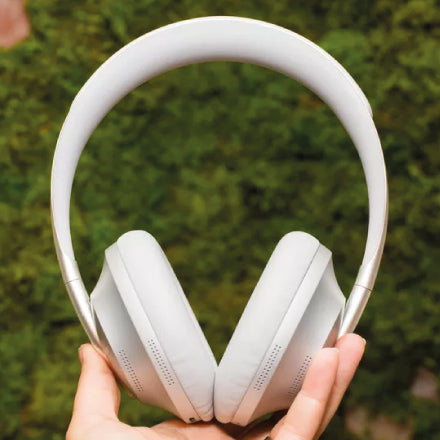 Best Headphones for the iPhone 11 Pro - Bose NC700