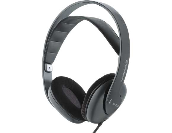Headphone-Zone-Beyerdynamic-DT-235