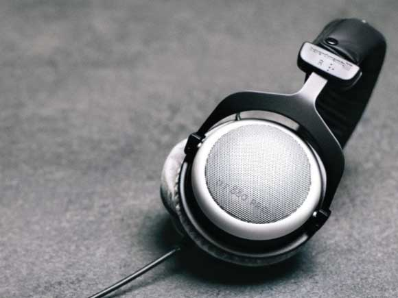 Headphone-Zone-Beyerdynamic-DT880-Pro-