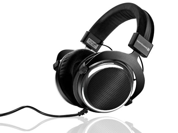 Beyerdynamic-T90-Wide-SoundStage