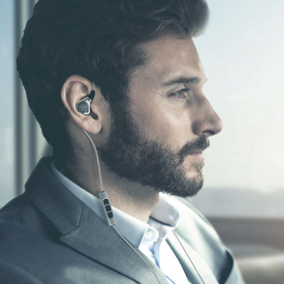 Headphone-Zone-Beyerdynamic-Xelento-Uncompromised-Wearing-Comfort