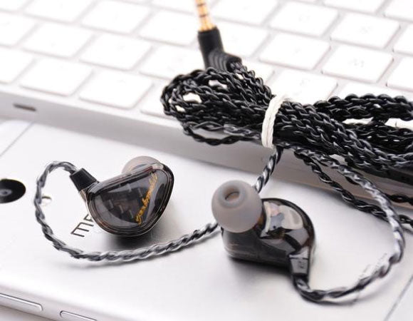 Headphone-Zone-Geek-Wold-GK3