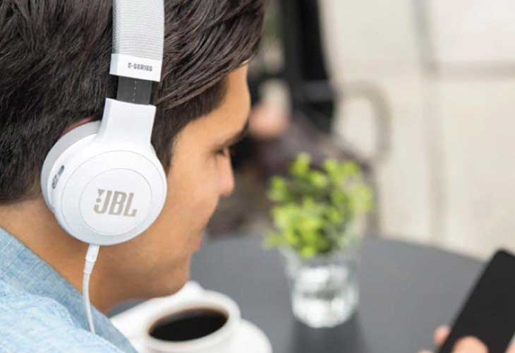 Headphone-Zone-JBL-E45BT