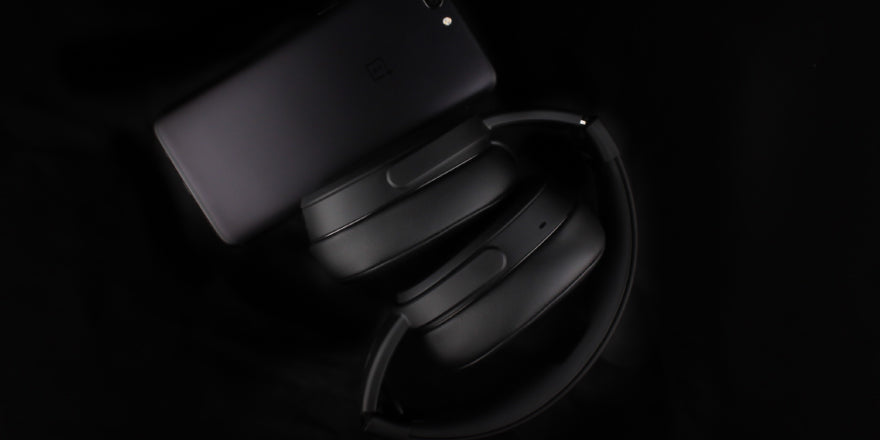 Headphone-Zone-Oneplus5-Best-Wireless-_Headphones-Skullcandy_Crusher