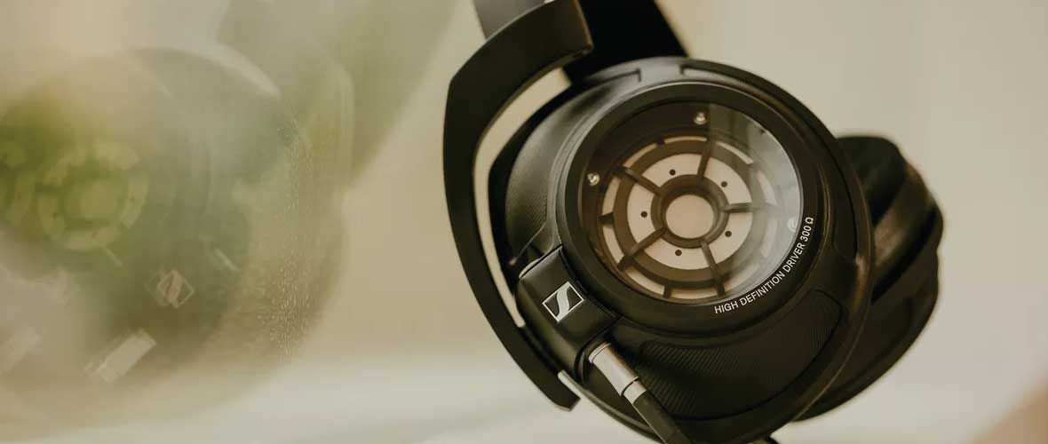Headphone-Zone-Sennheiser-HD-820-Banner