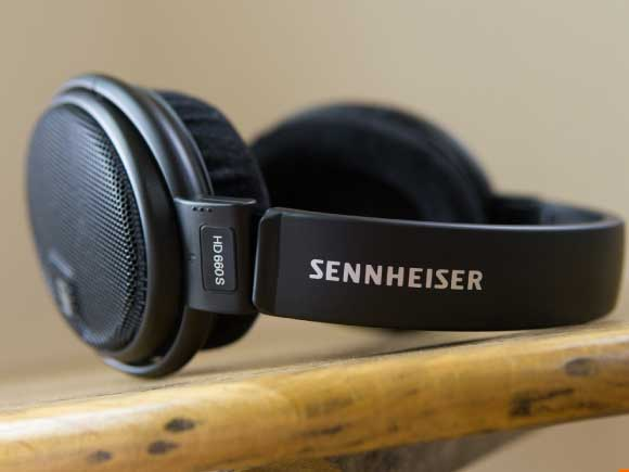 Headphone-Zone-Sennheiser-HD660s