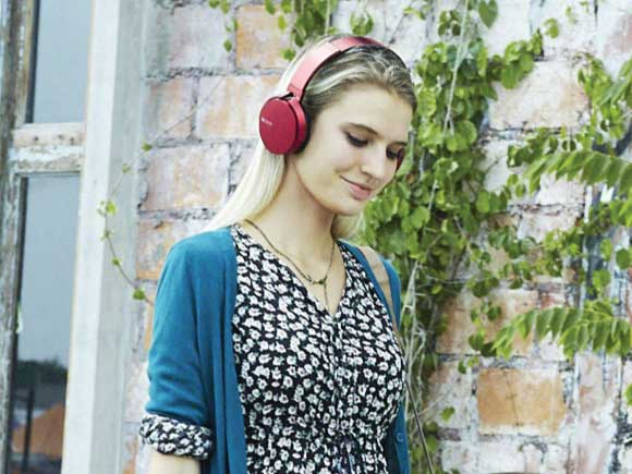 Headphone-Zone-Sony-XB650BT