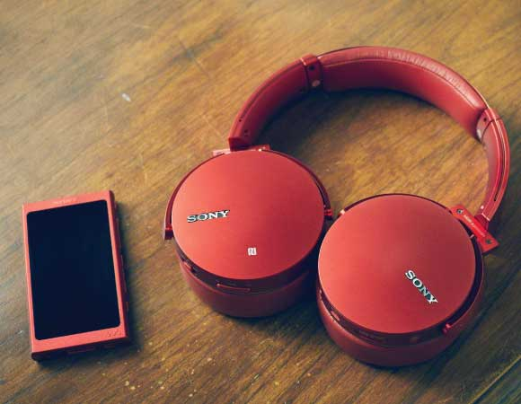 Headphone-Zone-Sony-MDR-XB950B1