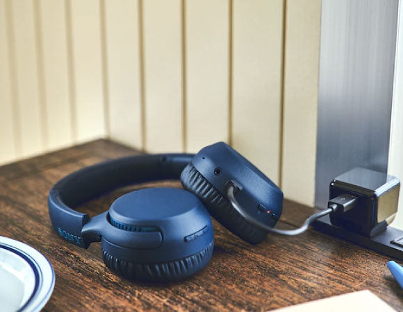 Headphone-Zone-Sony-WH-XB700