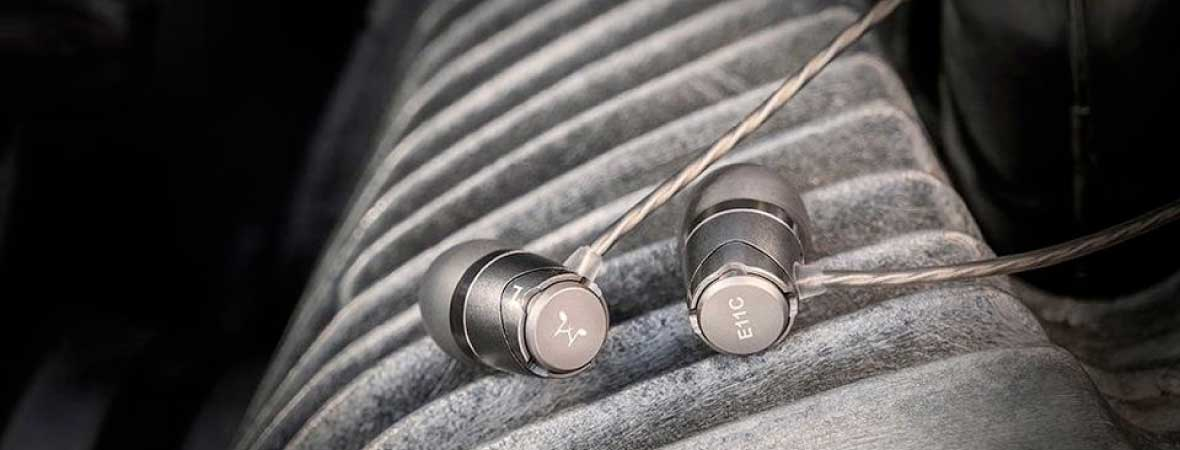 Headphone-Zone-SoundMAGIC-E11C