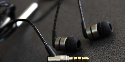 Headphone-Zone-SoundMAGIC-E80C