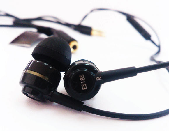 Headphone-Zone-SoundMAGIC-ES18S
