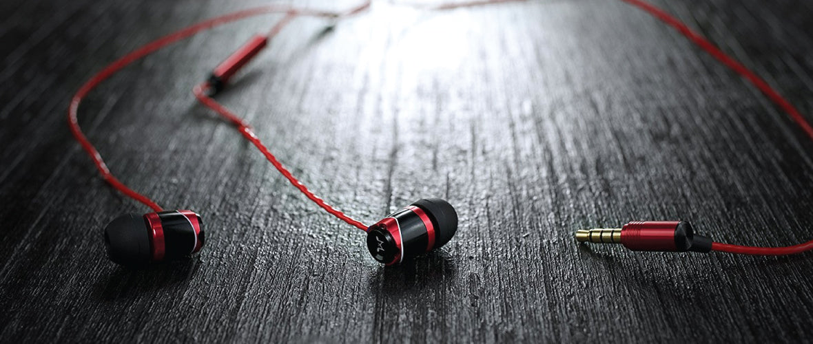 Headphone-Zone-SoundMagic-E10C-Lifestyle-Banner