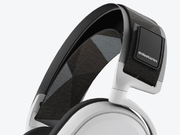 Headphone-Zone-SteelSeries-Arctis-7-Lightweight-Design