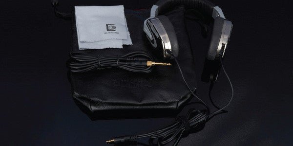 Headphone-Zone-Ultrasone-Edition-8-Ruthenium-What's-in-the-box