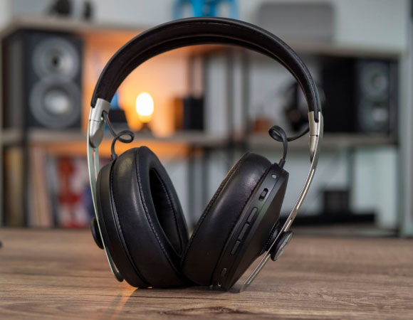 Headphone-Zone-sennheiser-momentum3-wireless