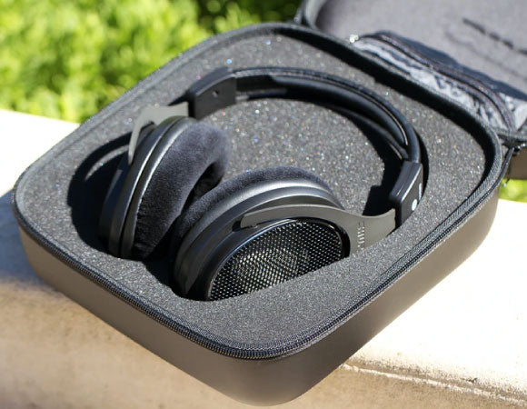 Headphone-Zone-Shure-SRH1840