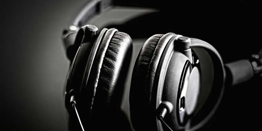 Best Deals & Lowest Prices on Headphones & Earphones India