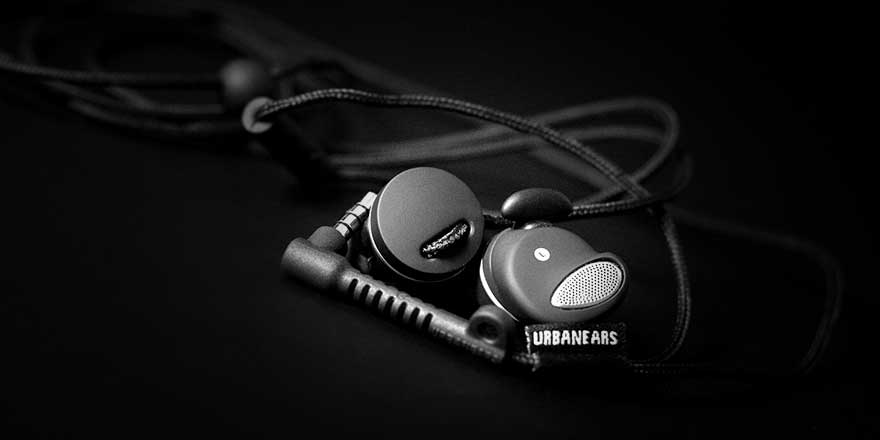 Find all Earbuds of various colours on headphonezone.in