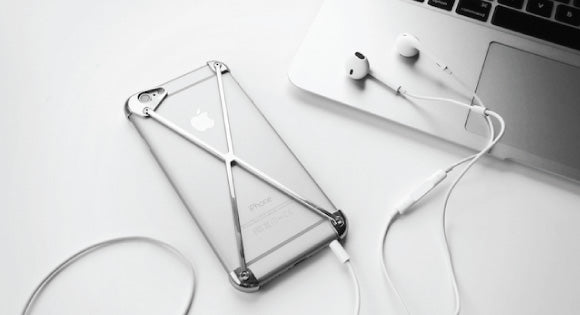 iPhone with Earpods