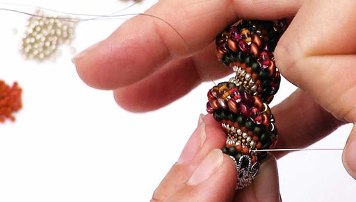 How to Do Cellini Spiral Stitch Using Two Hole Beads