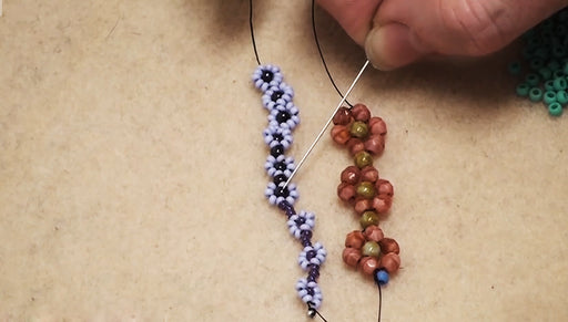How to Bead Weave a Daisy Chain