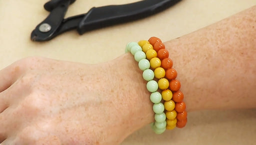 How to Make a Memory Wire Bracelet with Pastella Beads