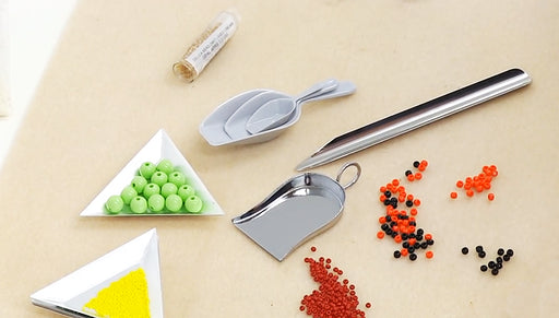 Product Spotlight: Beading Scoops and Trays