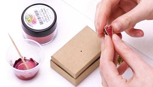 How to Make Glitter Paint with Diamond Glaze to Use in a Bezel