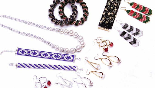 Show and Tell: Exclusive Beadaholique Jewelry Kits - Holiday Edition
