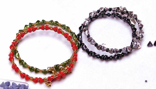 How to Make a Super Kheops Par Puca Memory Wire Bracelet