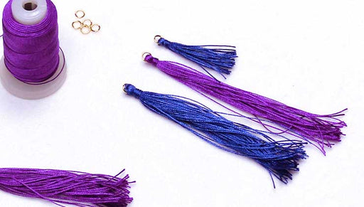 How to Make a Quick and Easy Tassel with Silk Thread