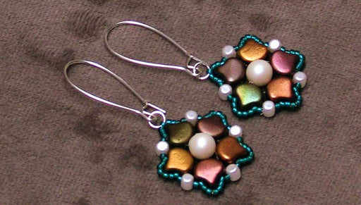 How to Make the Biloba Earrings Featuring 2-Hole Ginko Beads