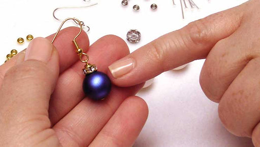 Quick & Easy DIY Jewelry: Christmas Ornament Earrings
