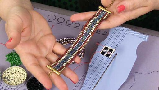 Beadaholique Live Class: Bead Looming 101 featuring the Beadalon Jewel Loom